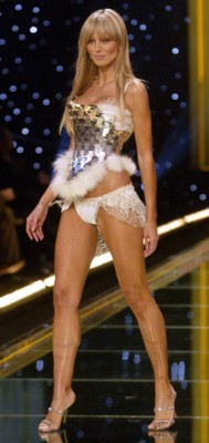 heidi klum Top 10 Most Beautiful Celebrity Legs
