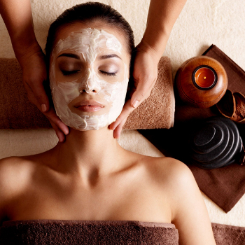 Holistic Facials vs Conventional Facials